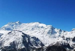 Mountain from Annapurna Circuit Trek