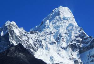 popular trekking trails of everest region