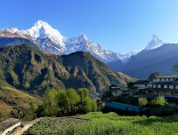 ghandrung village with himalayas