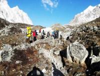 manaslu larkya la pass trekking trail