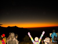 sunrise view from poon hill trekking