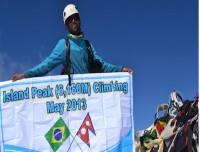 trekking trail nepal island peak climbing