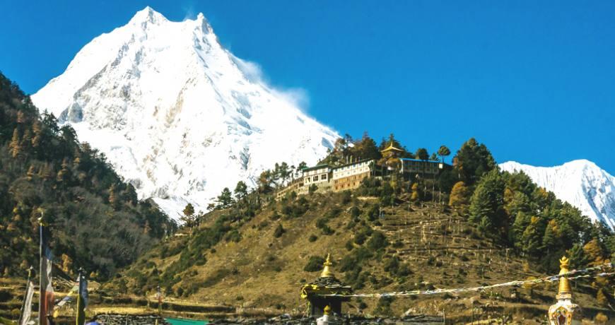 tips about trek in nepal best time popular trek fitness packing list altitude sickness