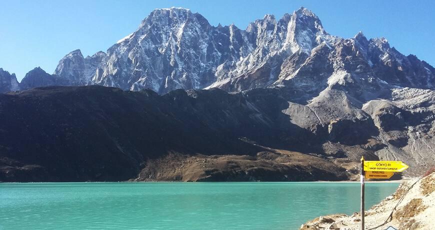 lake trekking in nepal