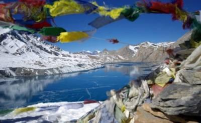 tilicho lake throng la pass trekking